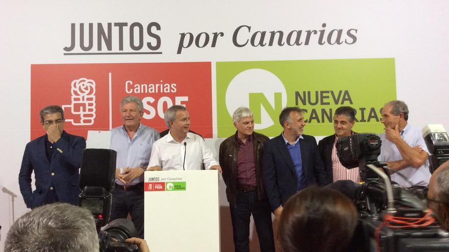 Los candidatos, líderes y miembros del PSOE Canarias y Nueva Canarias.