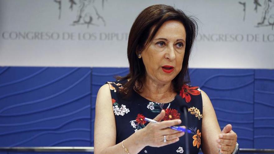 Robles defiende a Sánchez y cree inaceptable que se le acuse de antipatriota