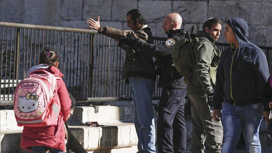 Muerto un palestino tras intentar atropellar a soldados israelíes