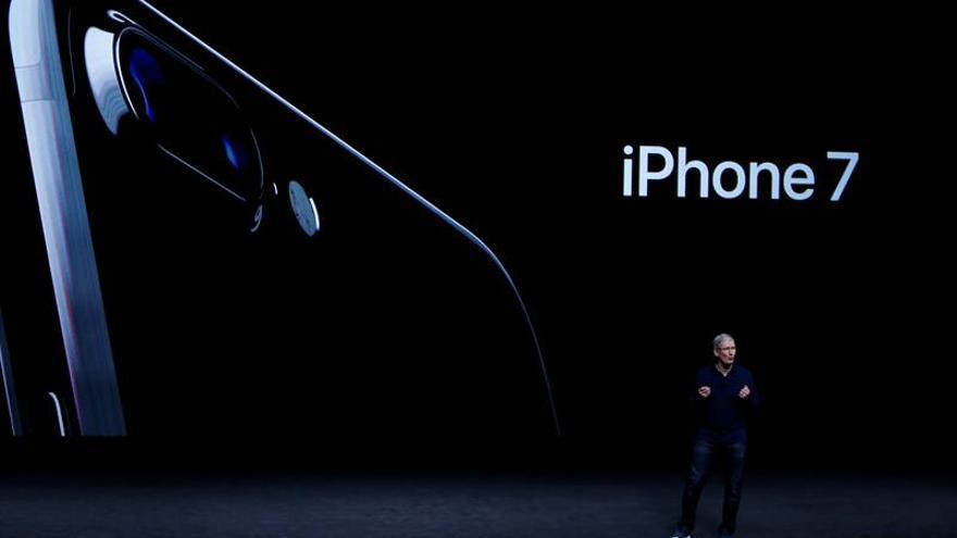 Ligera variación en las acciones de Apple durante la presentación de hoy