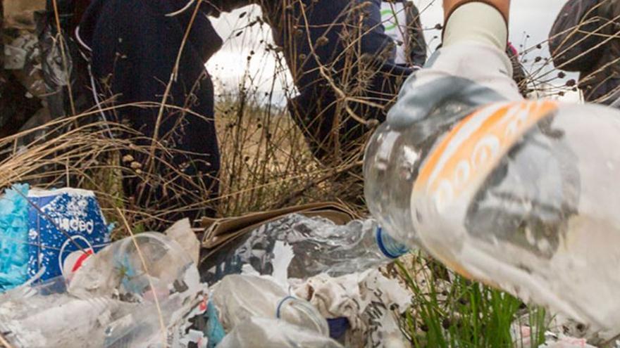 Operación Plastic Off