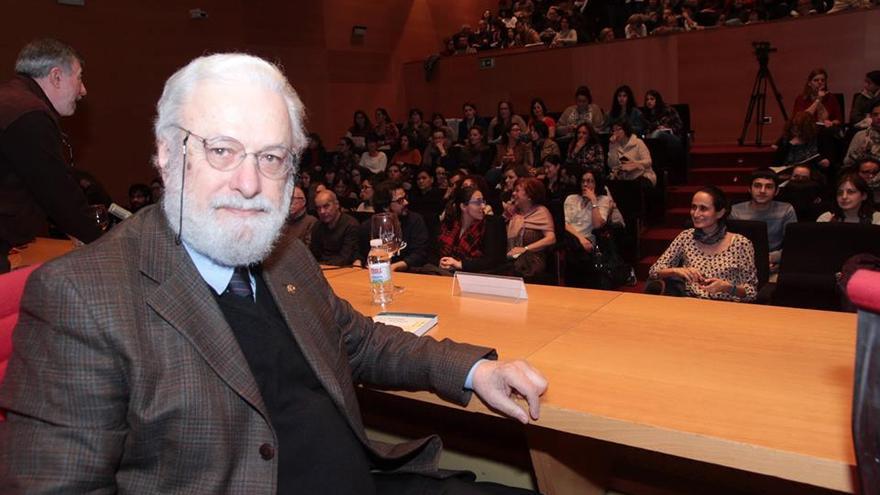 Tonucci, antes de su conferencia en Pontevedra / Salón do libro