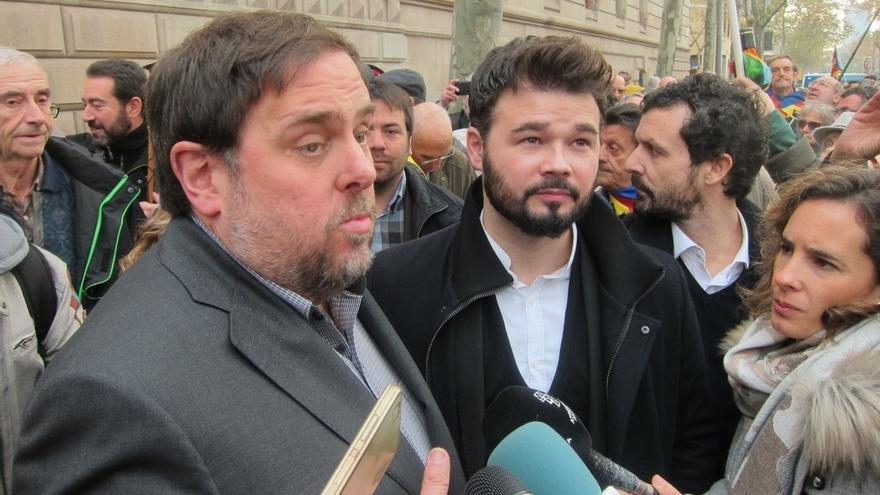 """Rufián (ERC) lamenta que se persiga a Forcadell por hacer """"pura y neta democracia"""""""