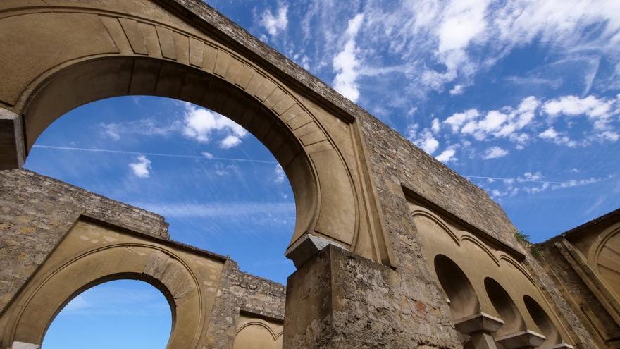 Detalle de uno de los arcos de Medina Azahara