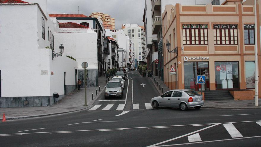 Imagen de archivo del cruce de la Avenida de El Puente con la Avenida Marítima de Santa Cruz de La Palma.