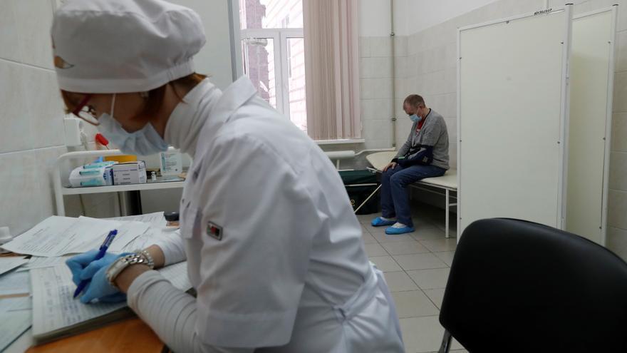 Comienza la tercera fase de pruebas clínicas de la vacuna rusa Sputnik Light