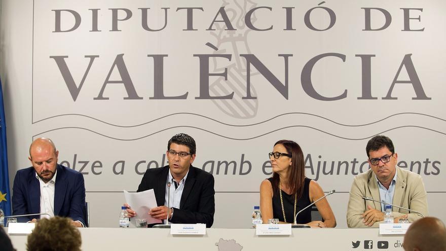 Imagen de la comparecencia de Jorge Rodríguez junto a Toni Gaspar, Maria Josep Amigó y Emili Altur