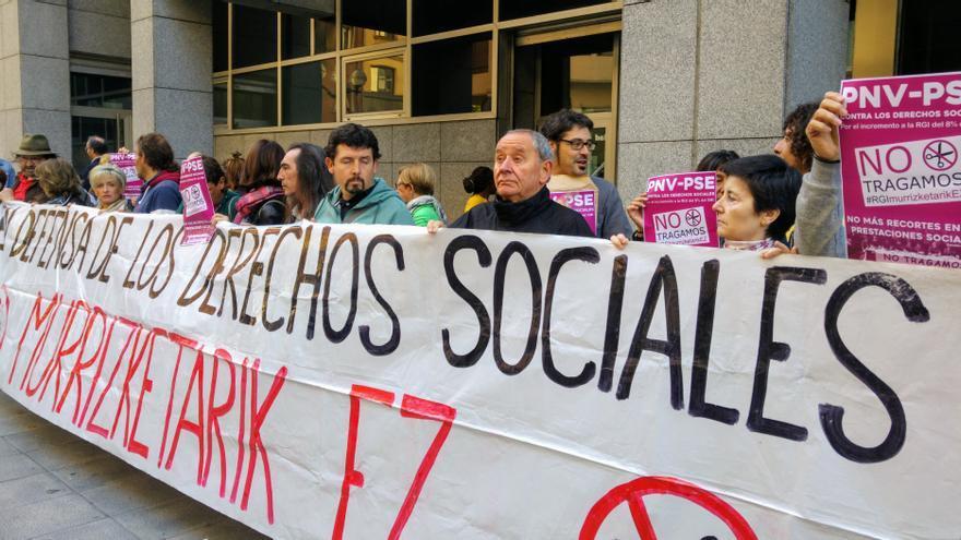 Protesta frente a los juzgado de Bilbao.