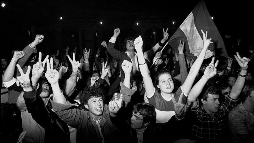 Andaluces celebran los resultados del referéndum por la autonomía.