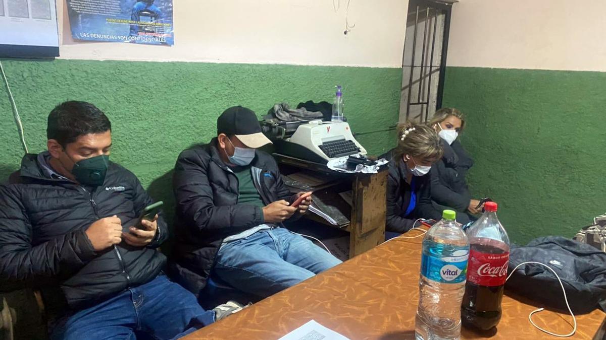 Elevan de 4 a 6 meses la prisión preventiva a expresidenta de facto de Bolivia