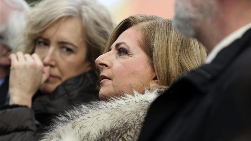 Concentración silenciosa para homenajear a Ordóñez bajo una intensa nevada