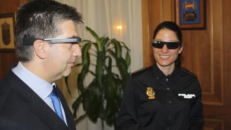 La Policía estudia la utilidad de las Google Glass en labores de patrulla