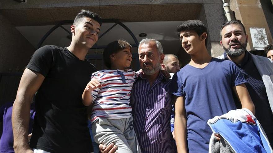 Llegan a Madrid otros seis refugiados del programa de reubicación de la UE