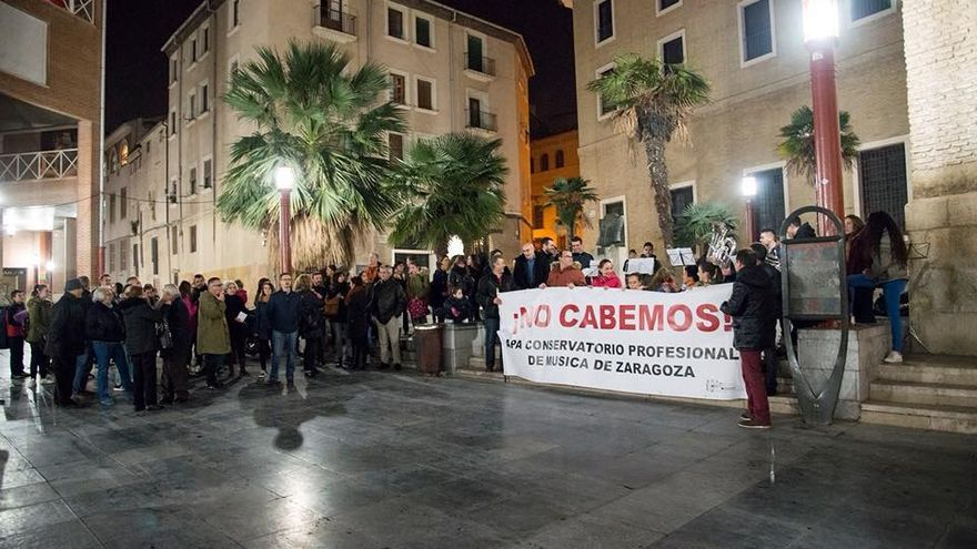 Concentración, en noviembre de 2017, en protesta por la situación del Conservatorio Profesional de Zaragoza.