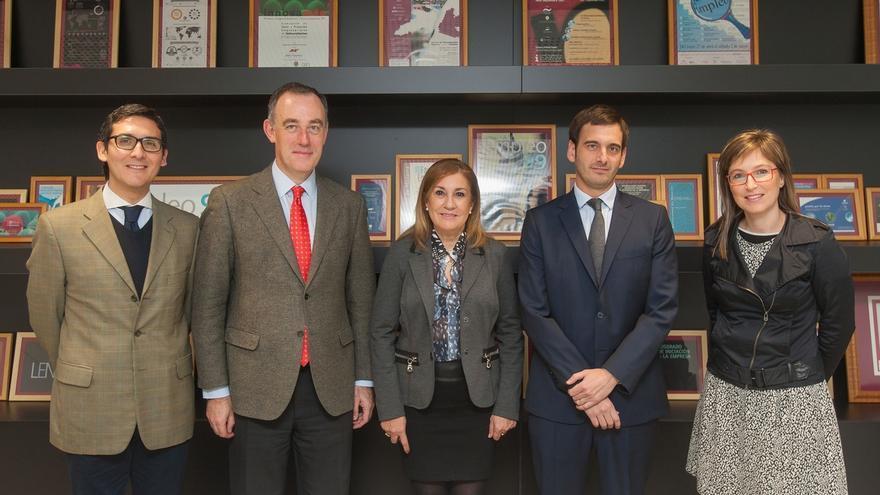 Universidad de Navarra y Urzante S.L. firman un convenio educativo para investigar los procesos del aceite de oliva