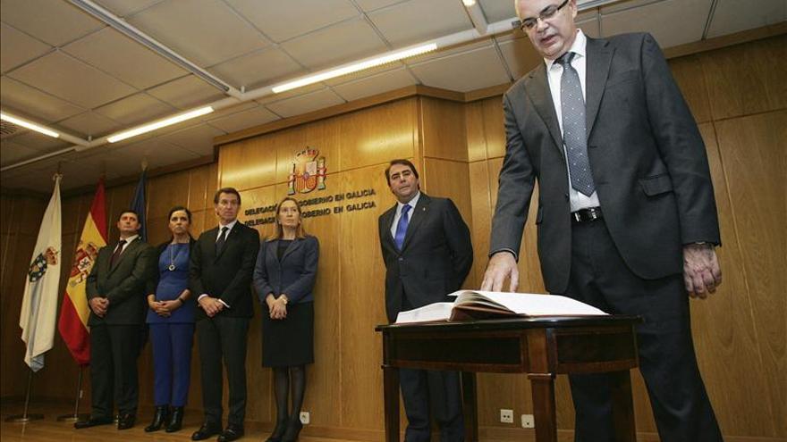Santiago Villanueva toma posesión como delegado del Gobierno en Galicia