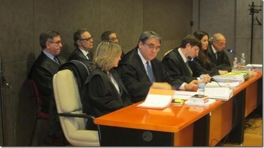 """Mario Fernández dice que el objetivo era """"buscar un puesto de trabajo"""" a Cabieces, """"y no un puesto para cobrar"""""""