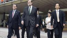 El presidente Rajoy a su llegada a la estación de Fukushima