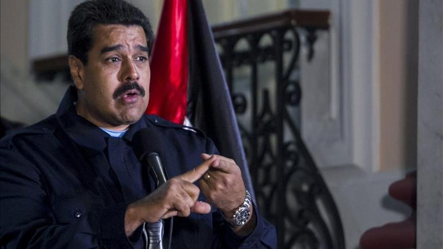 Maduro aprueba 28 leyes un día antes de perder los poderes especiales