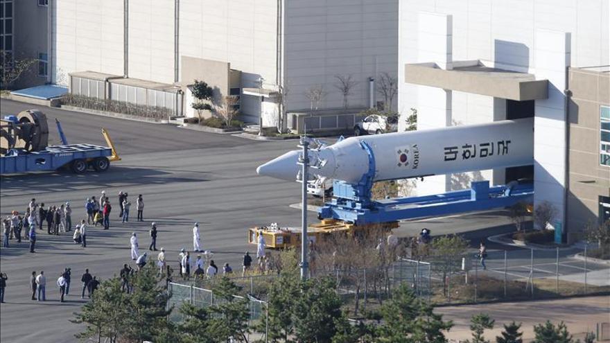 Corea del Sur logra lanzar con éxito su cohete espacial Naro