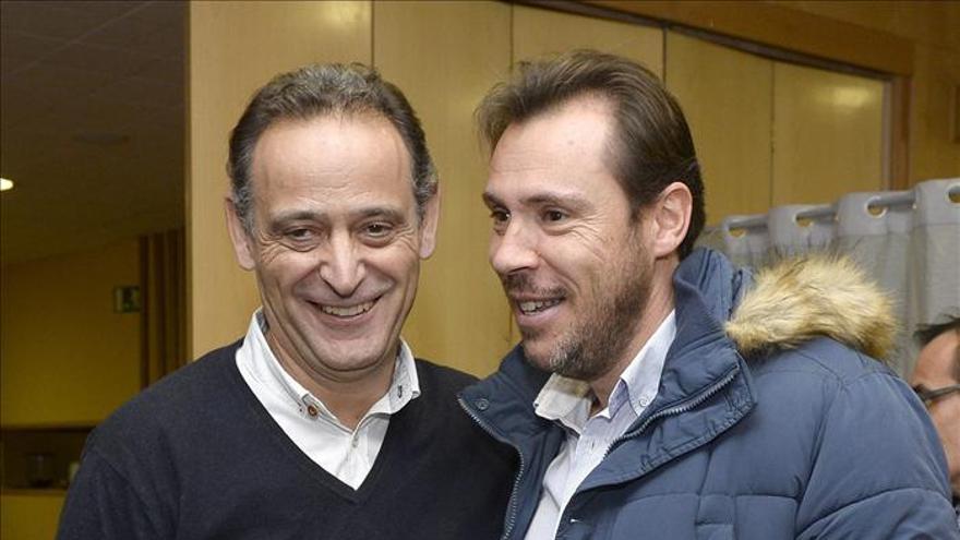 Puente y De la Rosa, candidatos a alcalde de Valladolid y Burgos por 32 votos