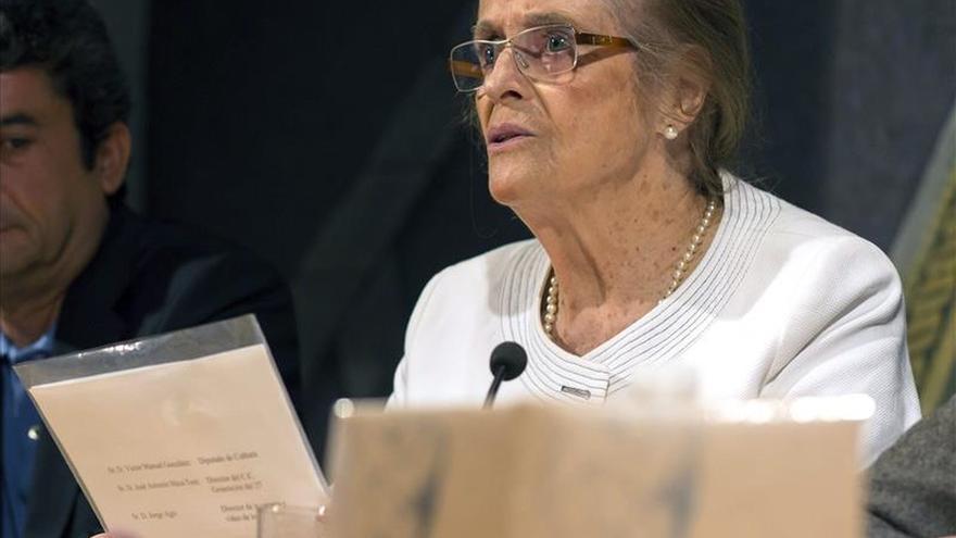 María Victoria Atencia dona al Centro de la Generación del 27 su biblioteca y su archivo