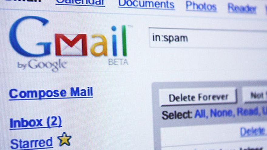 En la novela de Teller, la primera máquina consciente solo se comunica por correo electrónico