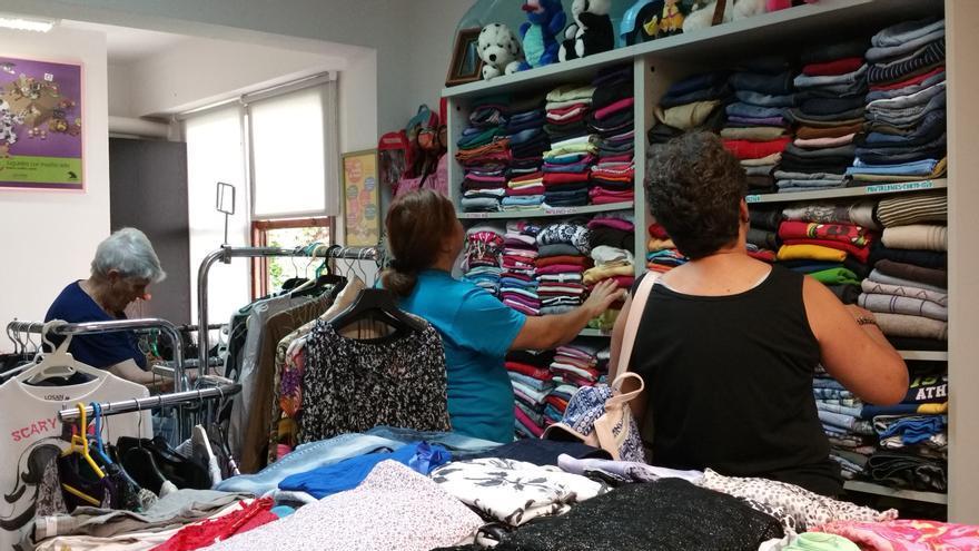 La tienda ha recibido numerosos clientes en los primeros días de apertura. Foto: LUZ RODRÍGUEZ.