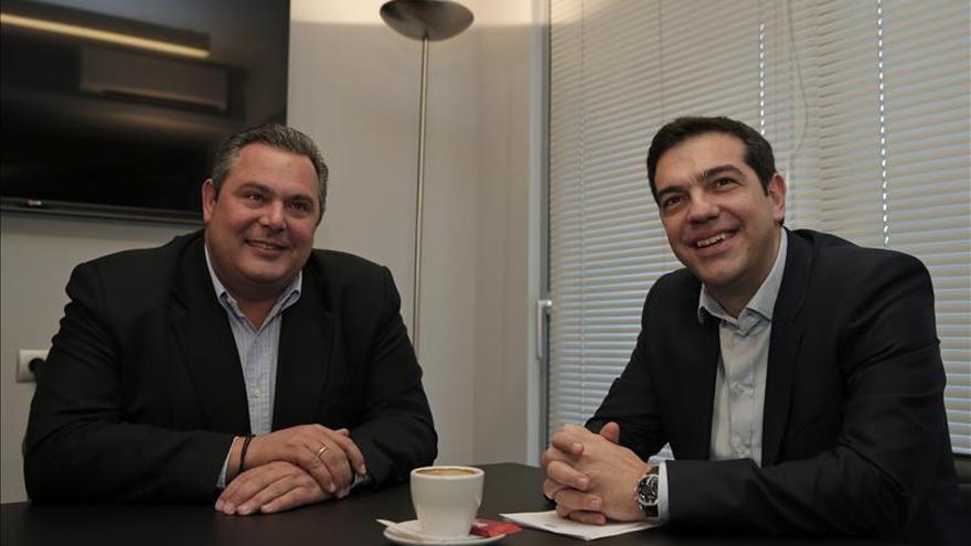 """El líder de la derecha nacionalista afirma que """"hay Gobierno en Grecia"""" tras reunirse con Tsipras"""