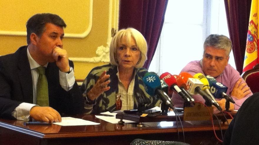 """Alcaldesa Cádiz no tiene """"ni idea"""" sobre la confirmación de la condena a dos exdelegados de la Zona Franca"""