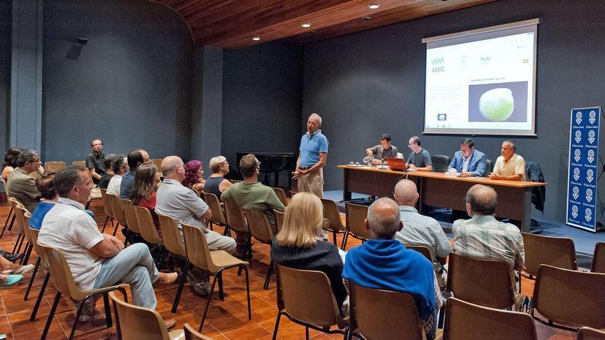 En la imagen, un momento de la presentación del 'Atlas Digital de Semillas de Canarias' en el Museo Canario de Las Palmas de Gran Canaria.