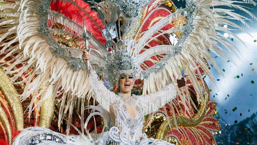 Carmen Laura Lourido Pérez, reina del Carnaval de Santa Cruz 2018