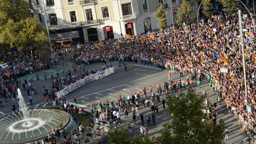 Manifestación por la libertad de Cuixart y Sànchez en Barcelona