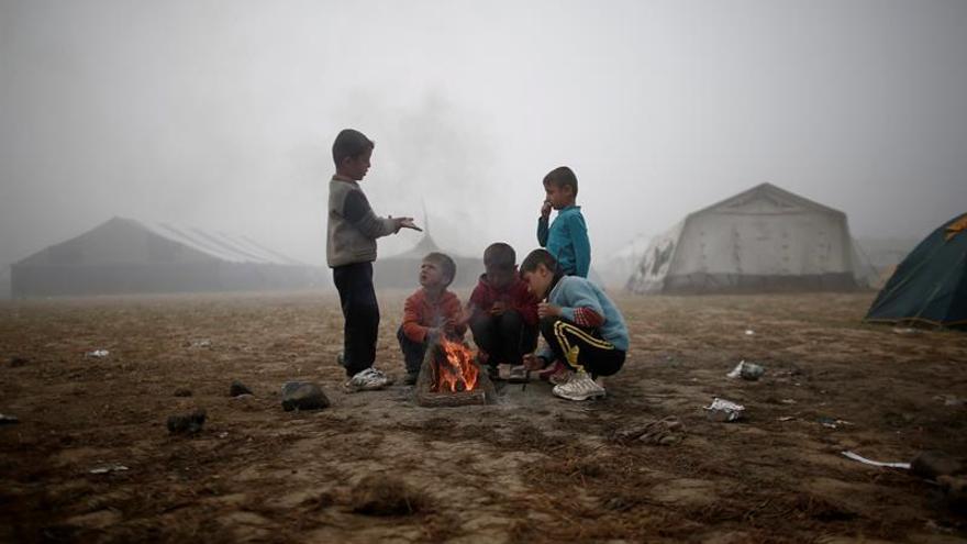 Aumentan las autolesiones y la depresión en niños refugiados por el acuerdo UE-Turquía