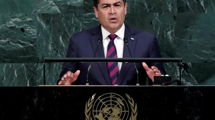 El presidente de Honduras pide un trato digno para los emigrantes en la ONU