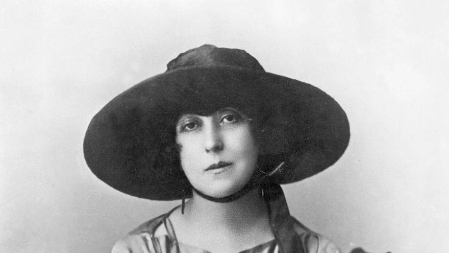 Retrato de la escritora santanderina Concha Espina