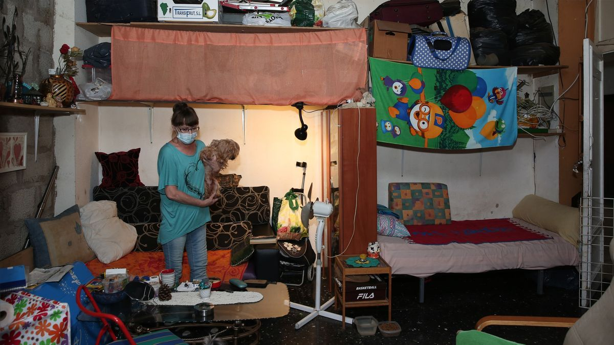Trine vive en un habitáculo de 5 metros cuadrados en el CC Nilo, Playa del Inglés