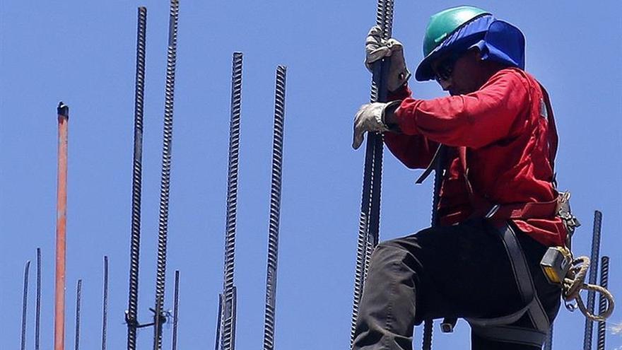 La actividad económica de Chile creció 2,8 % en julio, por encima de lo previsto