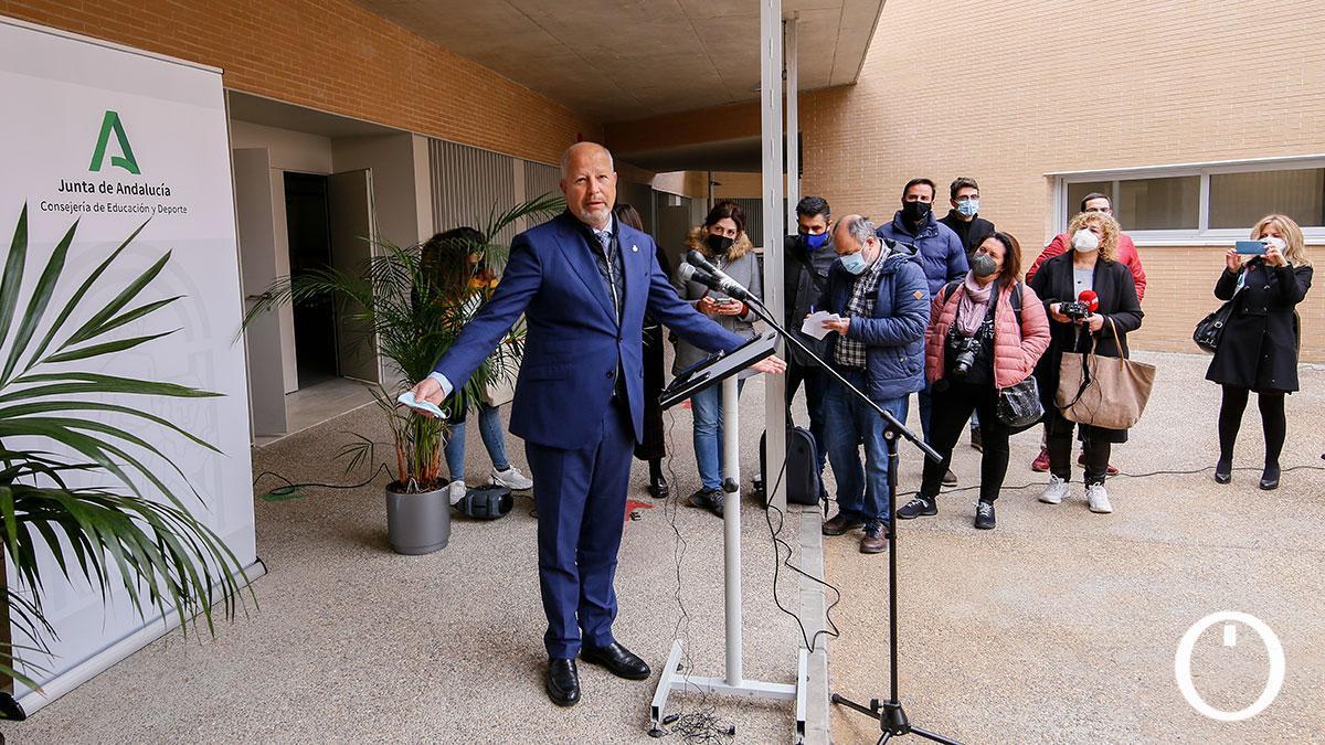 Javier Imbroda inaugura el Colegio Turruñuelos en Córdoba