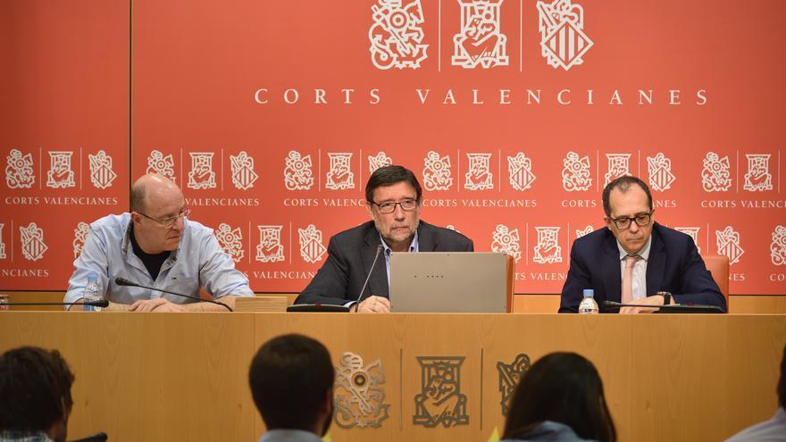 El exmiembro de la mesa de contratación, Pablo Collado, durante su comparecencia en la comisión de investigación