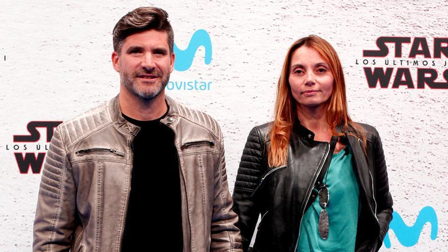 Toño Sanchís y su mujer, Lorena Romero, en un photocall