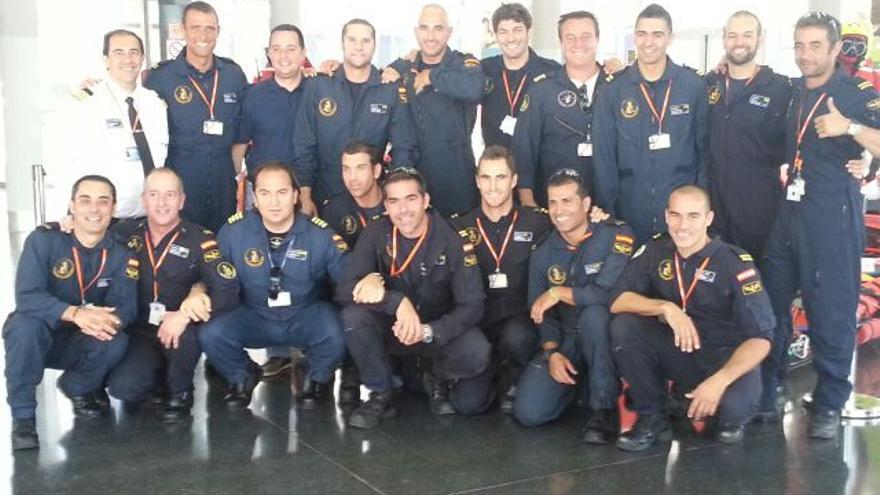 Parte del equipo del helicóptero 'Helimer'.