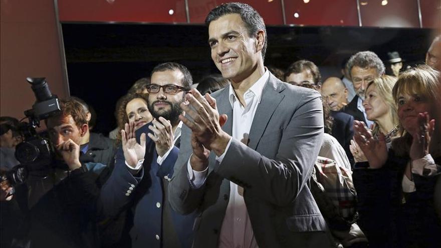 Sánchez reivindica ante el mundo de la cultura el valor de ser de izquierda