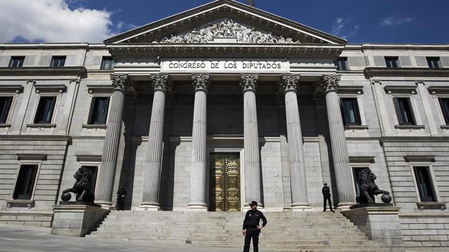 Casi un centenar de leyes esperan a los diputados y senadores en septiembre