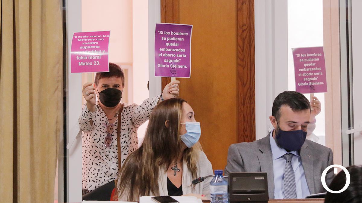 Los concejales de Vox en el Pleno ordinario de septiembre en el Ayuntamiento de Córdoba