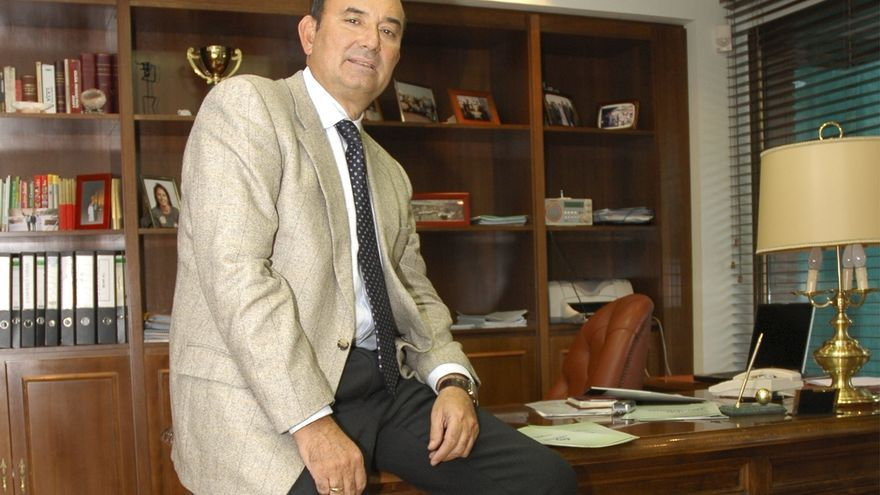 Félix Revuelta inyectará tres millones de euros en la ampliación de capital de Sniace