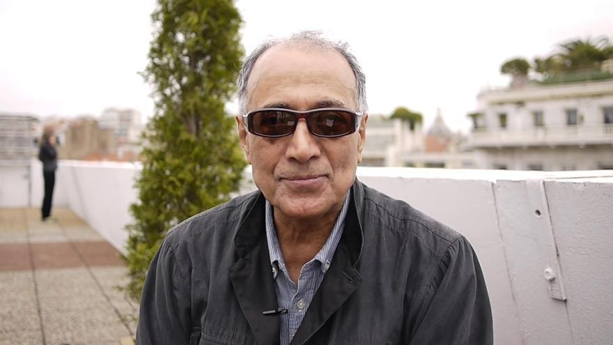 El director de cine iraní Abbas Kiarostami, durante una entrevista en el Festival de Cannes 2014