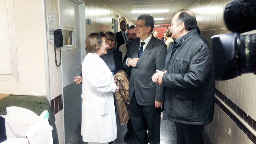 El consejero de Sanidad, Sebastián Celaya, en el hospital Obispo Polanco de Teruel.