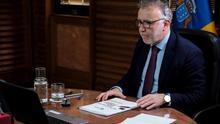 El presidente de Canarias, Ángel Víctor Torres presenta su propuesta de un pacto por la reconstrucción social y económica. EFE/Ángel Medina G.