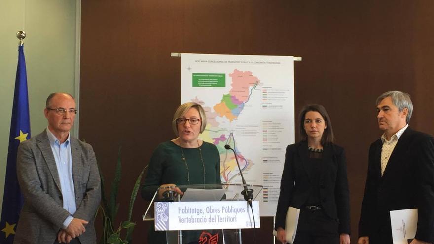 La conselleria, María José Salvador, presenta el nuevo mapa concesional de transporte por carretera